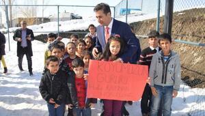 Rabianın mektubu ile 10 bin öğrenciye kıyafet dağıtıldı