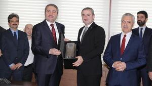 AK Parti İstanbul İl Başkanlığında devir teslim yapıldı.