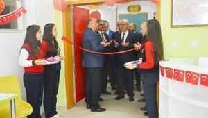 Kırşehir Emniyet Müdürlüğü'nün Z Kütüphanesi açıldı