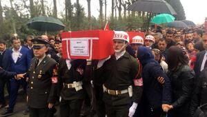 Şehit Uzman Çavuş Ekizi son yolculuğuna 10 bin kişi uğurlandı