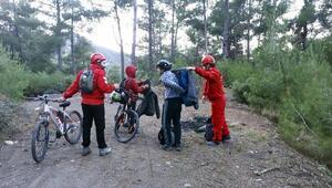 Dağda kaybolan bisikletli 2 çocuğu AKUT buldu
