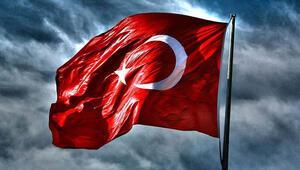 Yine yaptılar: Türk bayrağına çirkin saldırı