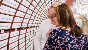 Slovakyada bulunan Aşk Bankasına ziyaretçiler akın ediyor