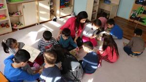 Nurten öğretmen, dünyanın en iyi 10 öğretmeni arasına giren ilk Türk oldu/ek fotoğraflar