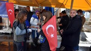 Marmaris İYİ Parti teşkilatı, Sevgililer Gününde lokma döktürdü