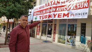 Mehmetçiğe Asıl sevgi vatan sevgisidir pankartıyla destek