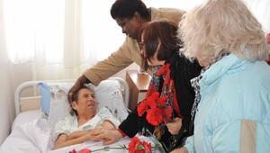 Balçovalı annelerden anlamlı ziyaret
