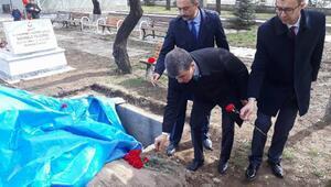 İYİ Partililerden şehitliğe Sevgili Mehmetçik ziyareti