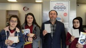 Öğrencilerden Sevgilimiz Mehmetçik olsun temalı kartpostal