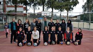 Altınözü Kaymakamlığı Gençlik ve Spor Kulübü, Mithatpaşa maçına hazırlanıyor