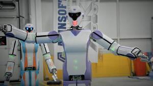 Erik Dalı oynayan robot yaptılar