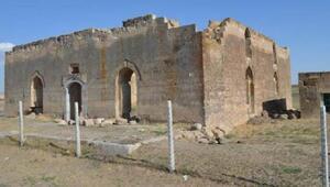Hüsameddin-i Ankaravi tarihi camii ve türbesi restore bekliyor