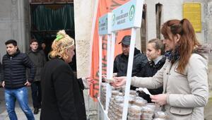 Edirne Belediyesi, Afrin şehitleri için helva dağıttı