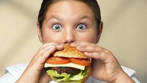 Öğrencilerin yüzde 90'ı fast-food ile okulda tanışıyor