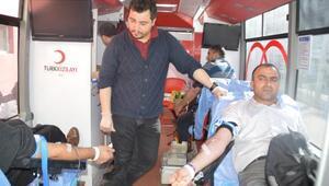 Eleşkirtliler kan vermek için sıraya girdiler
