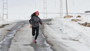 Hikayesi ile şaşırtan milli atlet Gülcan artık mutlu