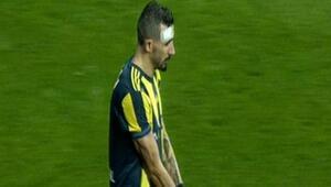 Tribünler Mehmet Topalı sakatladı Derbide gergin anlar