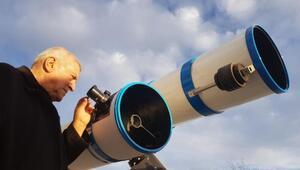 Kurduğu gözlemevinde astronomi eğitimi verecek
