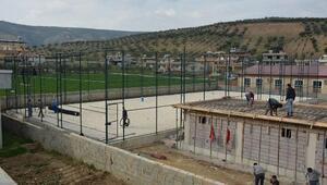 Hacıpaşa Mahallesine halı saha yapılıyor