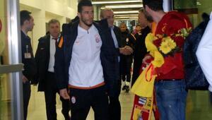 Galatasaray'a İzmir'de coşkulu karşılama