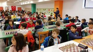Minikler satranç turnuvasında