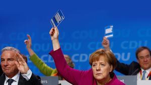 Merkel yine ezber bozdu