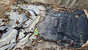 Burası Türkiye... Deprem değil  Yol darmadağın oldu