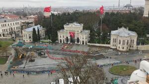 Beyazıt Meydanında çevre düzenleme çalışmaları durdu