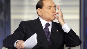İtalyanın kaderi 81lik Berlusconinin elinde