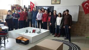 Liseliler tasarladıkları robotla ODTÜ'de yarışacak