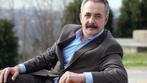 Mehmet Aslantuğ kimdir Kaç yaşındadır