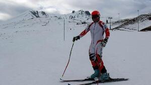 Bedensel Engelli Milli Kayakçı Mehmet Çekiç, Olimpiyatlarda Türkiyeyi tek başına temsil edecek