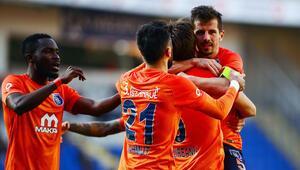 Başakşehir inadı Göztepeyi 2 golle geçti