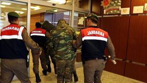 Yunanistanda gündem iki asker... Türkler iyi davranıyor
