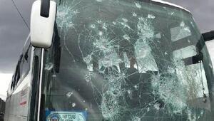 Hopaspor takım otobüsüne taşlı saldırı