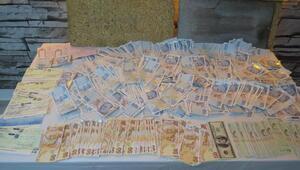 İzmirde 2 ayda 318 bin TLlik sahte banknot ele geçirildi