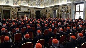 Vatikan şokta Eskort 40 gay rahibi deşifre etti