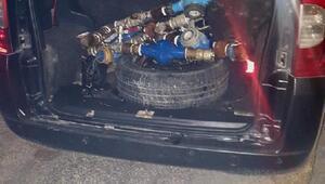 Su sayacı hırsızları tutuklandı