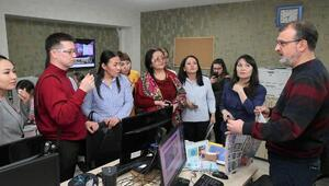 Türk dili konuşan gazeteciler İzmirde