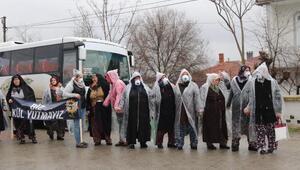 Çerkezköyde kadınlardan yağmur altında termik santral protestosu