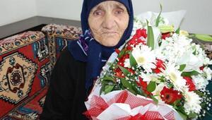 85 yaşında ilk kez Kadınlar Gününü kutladı