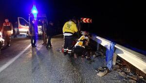 Antalyada işçileri taşıyan midibüs devrildi: Ölü ve yaralılar var (2)