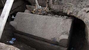Gizemli lahitin kapağı açıldı Kayseride bulunmuştu