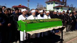 AK Partili Belediye Başkanı son yolculuğuna uğurlandı