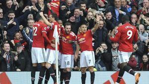 Manchester United Liverpoola acımadı (ÖZET)