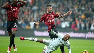 Sert sözler... Sanki Beşiktaş naylon topla oynuyor