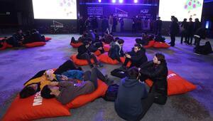 Espor dünyası İstanbul'da bir araya geldi İşte müthiş festivale damga vuranlar...