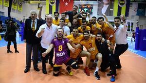 Galatasaray, Fenerbahçeyi devirerek yarı finale çıktı