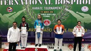 Sude Tüysüz, Boğaziçi Karate Turnuvasınde birinci oldu