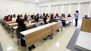 Yıllarını yardımcı doçentliğe adayan akademisyenler: Dil bilmeyenler profesör oluyor, bizim suçumuz ne